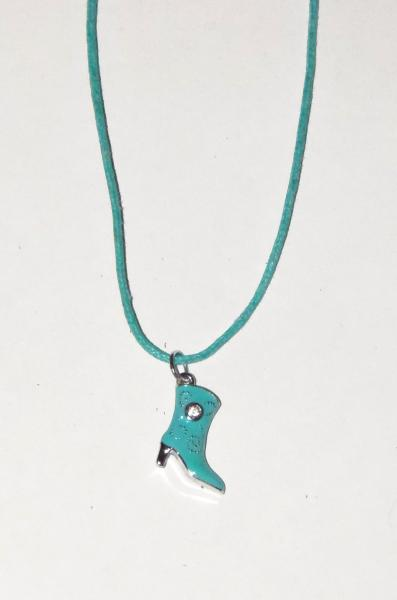Collier pendantif botte